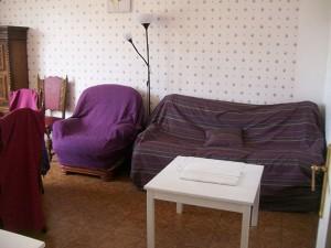 table-de-salon-canape-lampe-fauteuil